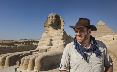 25年來埃及最重大的發現!超大古老墓穴群出土!Discovery頻道《追謎探險隊:埃及古墓直播》4/8(一)全球同步LIVE直播 打開神秘石棺 一窺數千年未解之謎的木乃伊真面目!