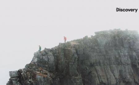 台灣秘境山脈躍上國,高山冒險家白銳勻翻山越嶺挑戰「聖稜線」,團隊扛300公斤器材攻登頂3,886公尺雪山主峰,讓世界看見雪山聖稜線之美
